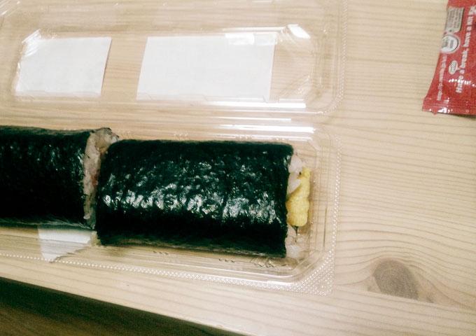 スーパーの巻き寿司
